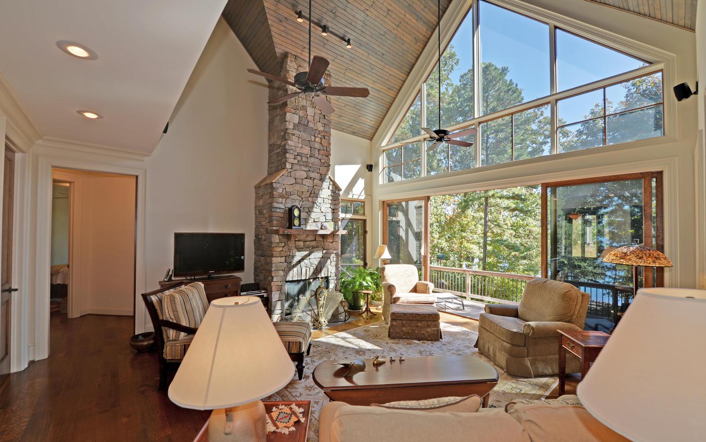 CUSTOM LAKE HOME-large-004-4-Living Room-1500x938-72dpi