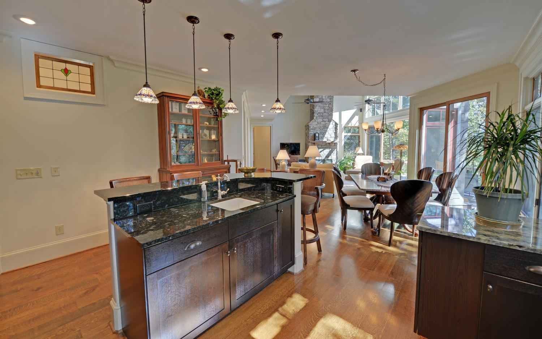 CUSTOM LAKE HOME-large-010-10-KitchenDining-1500x938-72dpi