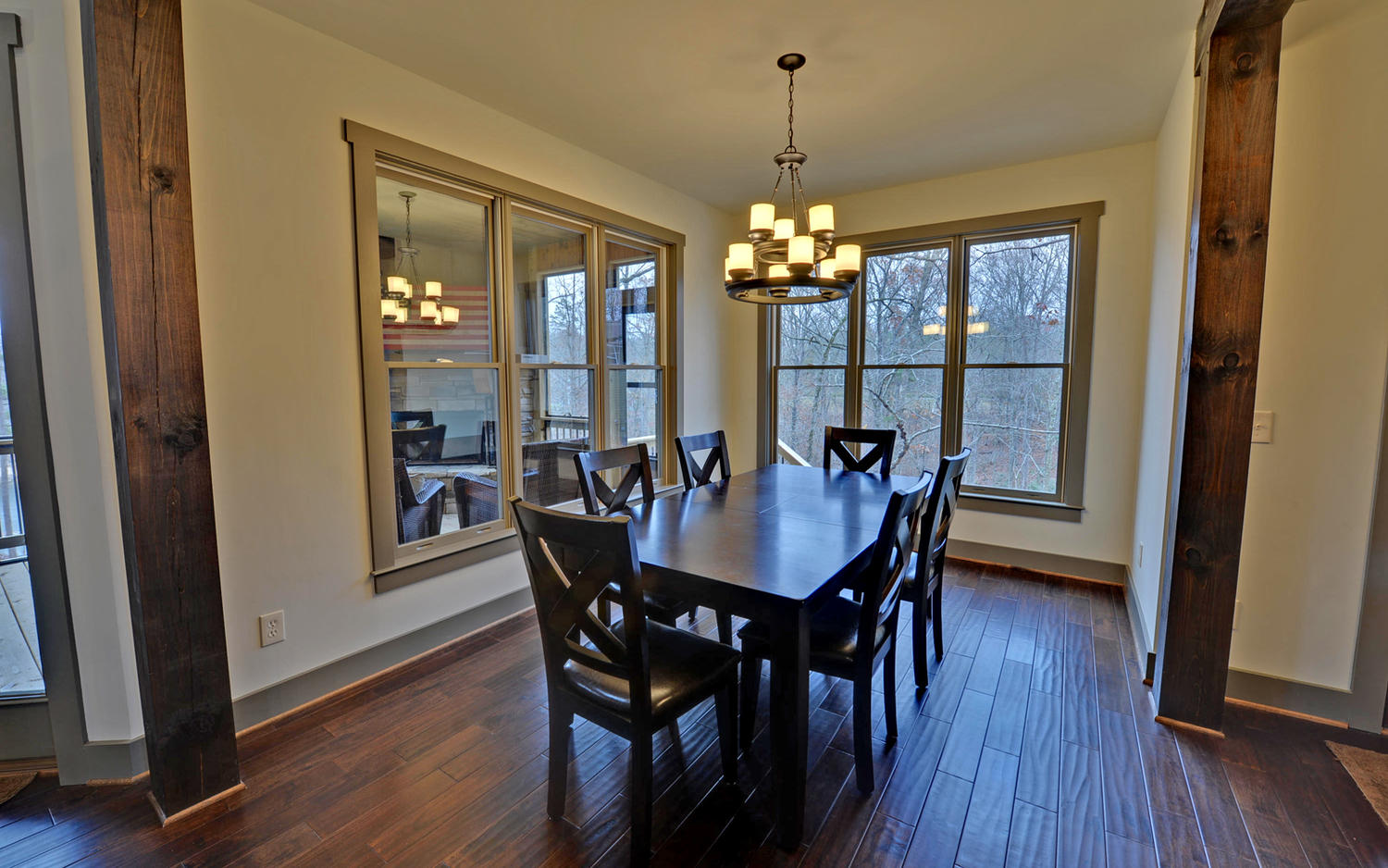 Lindy Lane Hartwell GA 30643-large-007-7-Dining Room-1500x938-72dpi