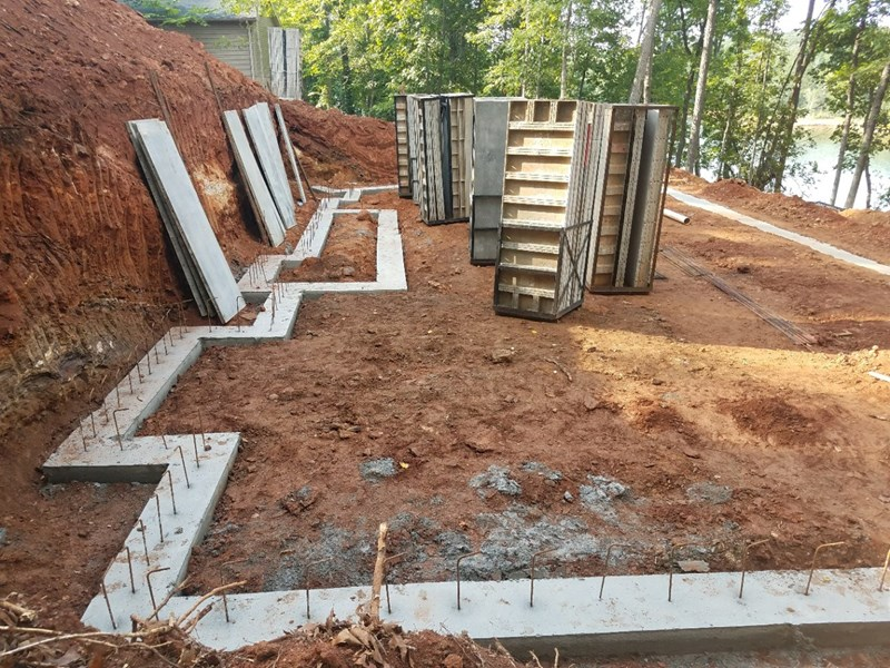 Staging the poured walls