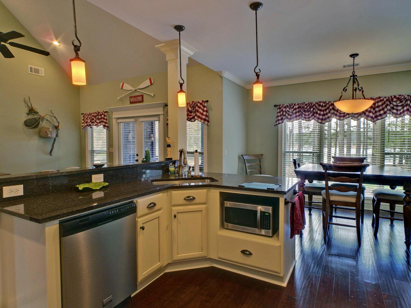 Portfolio 5-large-007-7-Kitchen-1333x1000-72dpi