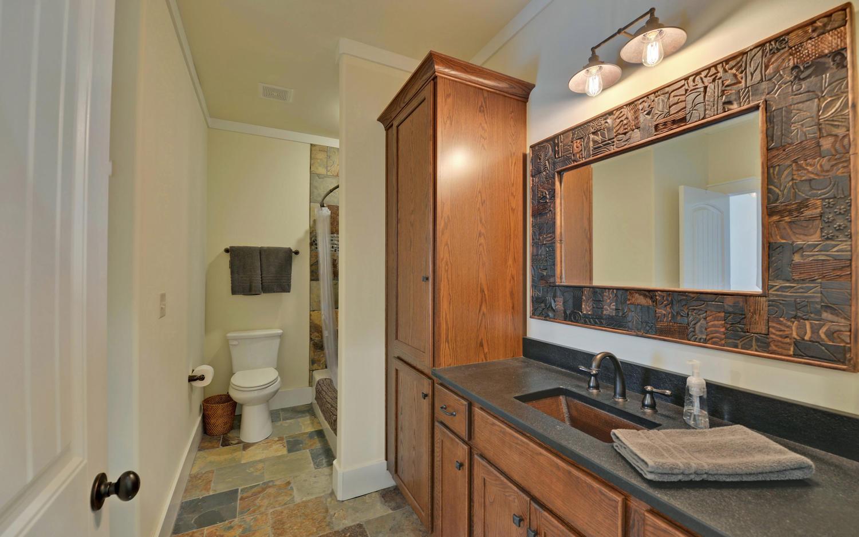 SIMONDS HOUSE-large-006-5-Bathroom-1500x938-72dpi