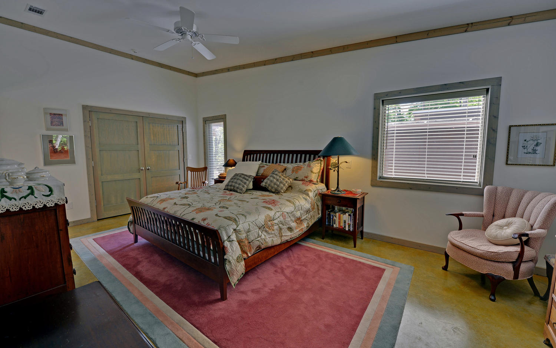 Shore Crest Drive Martin GA-large-013-13-Master Bedroom-1500x938-72dpi
