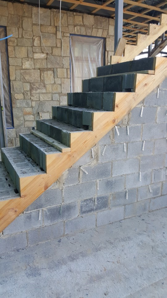 5-ext stairs ready for stone